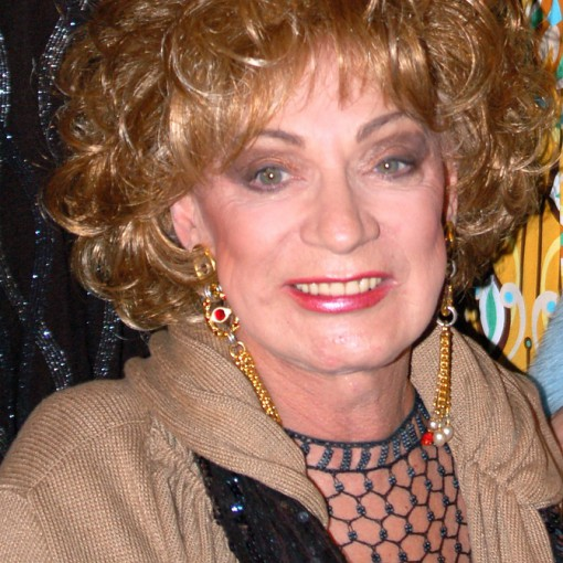 Zmarła muza Andy'ego Warhola, Holly Woodlawn