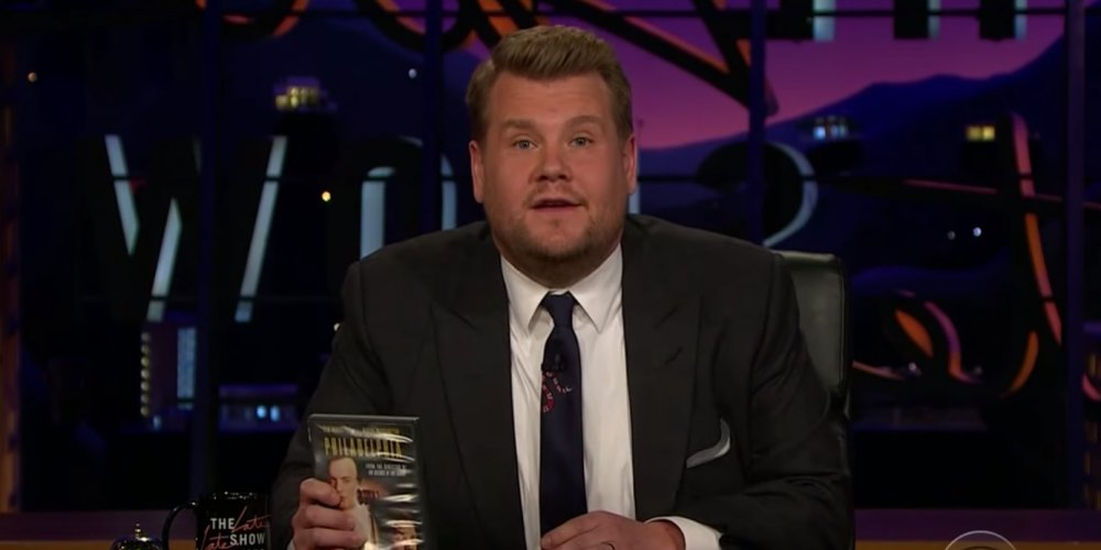 James Corden edukuje Trumpa